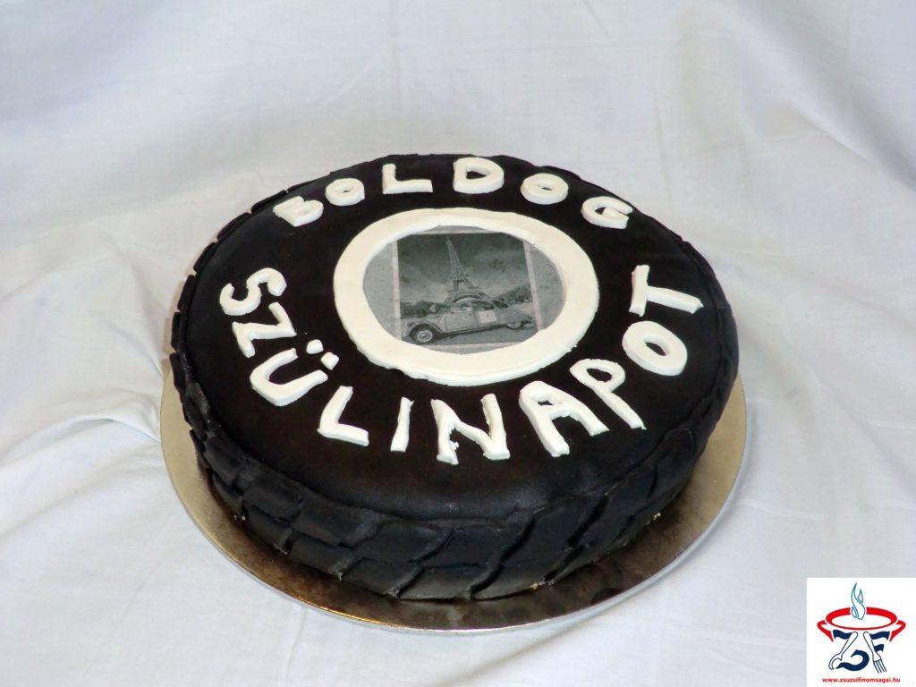 Gumiabroncs torta