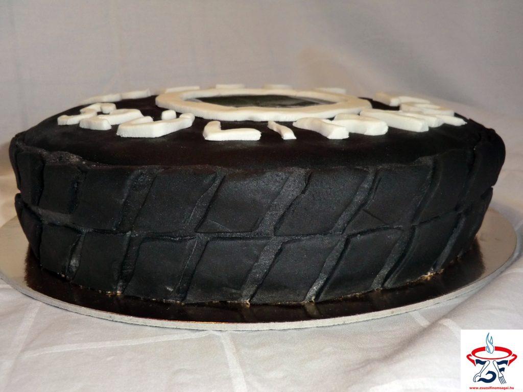 Gumiabroncs torta4