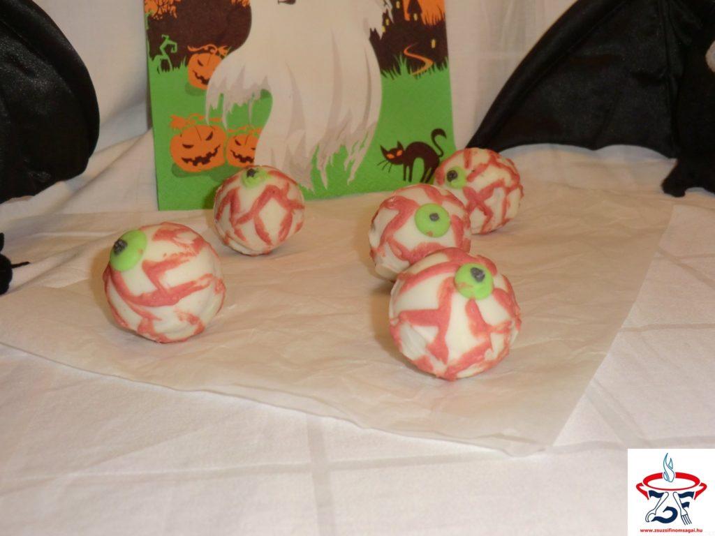 Rémisztő-szemgolyó-sütemény1