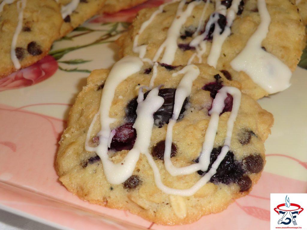 Áfonyás-zabpelyhes keksz